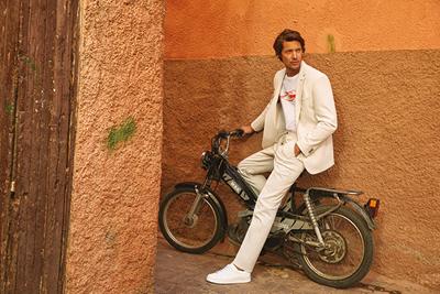 İK Erkek Moda: Back-to-Business için Kombin Çeşitliliği